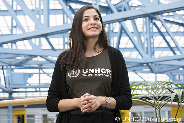 写真:スイスにてUNHCR親善大使に任命された時のユスラ